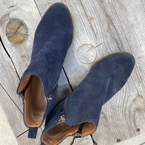 Lucky Brand BASEL blue suede leather booties